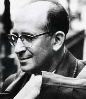 critical essays on bernard malamud By boris fishman this essay appeared in somewhat different form on the website of the center for fiction bernard malamud (1914-1986) is the wrong writer for our age today's young fiction writers live in an age of me: memoirists in novelist clothing, we understand the world by understanding ourselves.