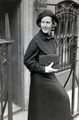 Hale, Nancy 1954