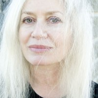 'Housewife' by Amy Hempel
